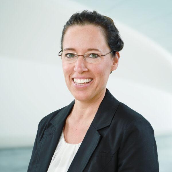 Corina Beerli, Curia Treuhand AG