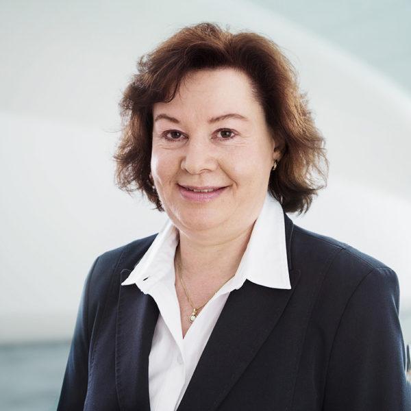 Christa Parpan, Curia Treuhand AG