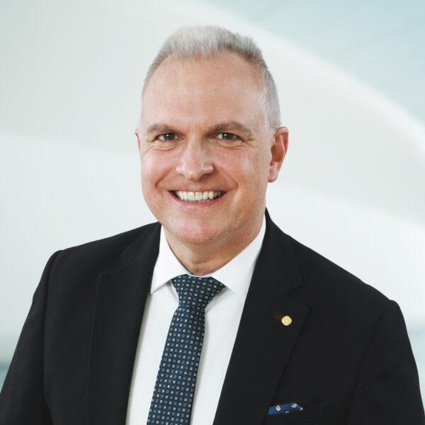 Patrick Leu, Curia Treuhand AG