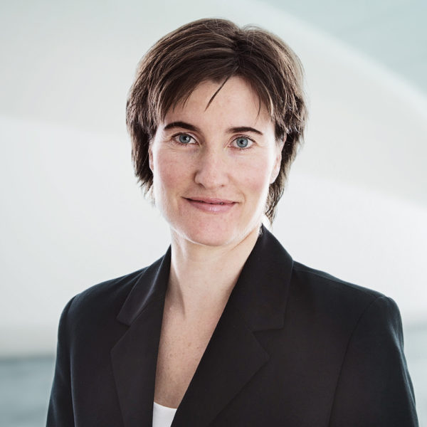 Eliane Simeon, Curia Treuhand AG